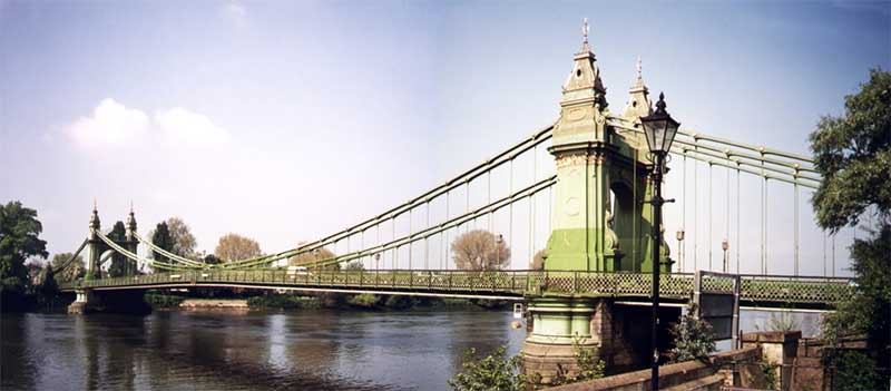 an image of the Hammersmith bridge